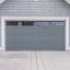 5 consejos para mantener tu puerta de garaje de madera en buen estado